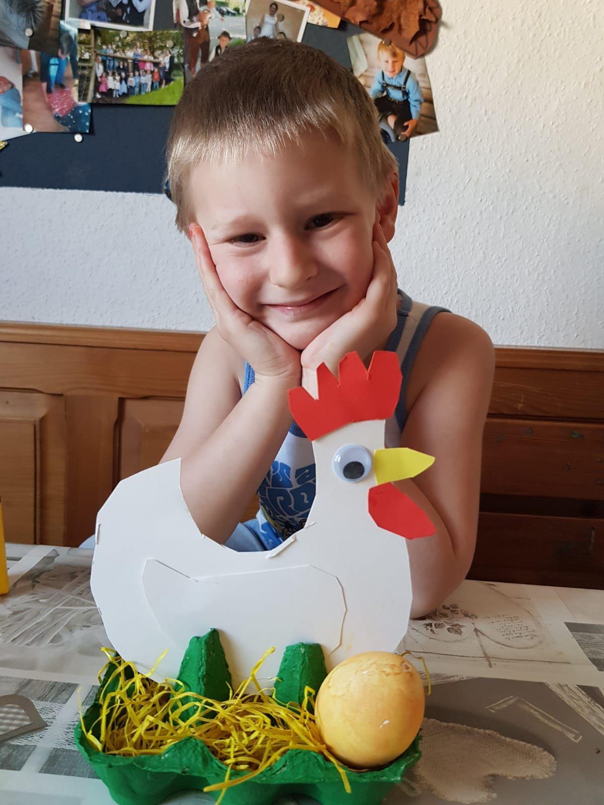 Osternest aus einer Eierschachtel
