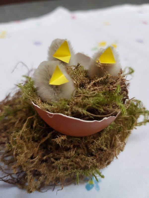 Osterschmuck aus Weidenkätzchen