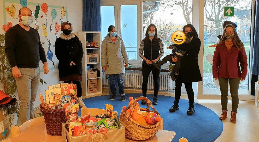 Elternbeitrat bedankt sich beim Team Haus für Kinder Halfing mit Präsentkörben